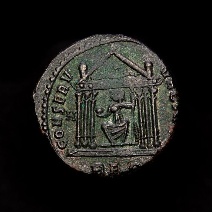 Romeinse Rijk - AE Follis - Maxentius (306-312 AD) CONSERVATORES KART SVAE - H // REP, Roma seated within hexastyle temple. - Brons