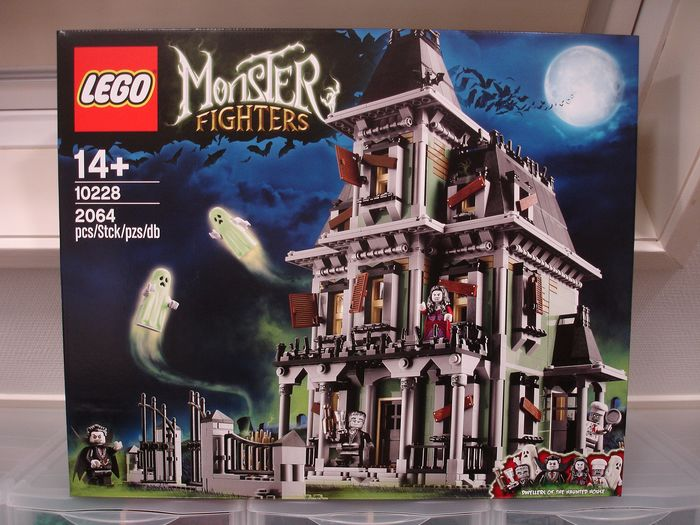 LEGO - Creator Expert / Monster Fighters - 10228 - Iconic Building - Haunted House - 2000-present - Nederland