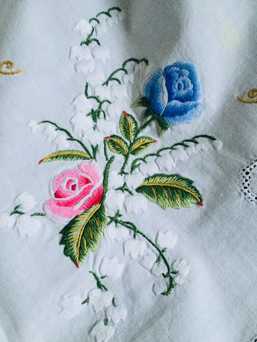 Embroidery, Tablecloths 15 pieces (15) - Romantic - Cotton, Silk, Textiles - First half 20th century