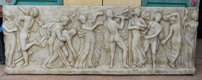Bas-relief with dancing Maenads - Cm. 107 - Neoclassical - Marble - 20th century