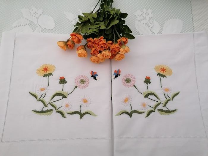 Double sheet in fine cotton percale with hand-stitched flowers embroidery - Cotton - AFTER 2000