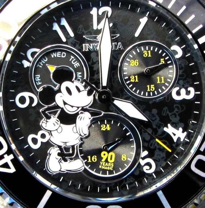 """Disney Invicta Wristwatch - Limited Edition - Mickey Mouse """"Special 90yrs Magic"""" 38mm Midsize """"Wasp Submariner"""" Day Date - # 0253 van 3000"""