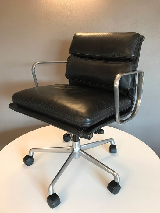 Charles Eames - ICF - Fauteuil - Soft Pad Chair EA217