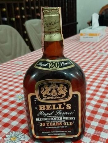 Bell's 20 years old - b. 1980s - 75cl