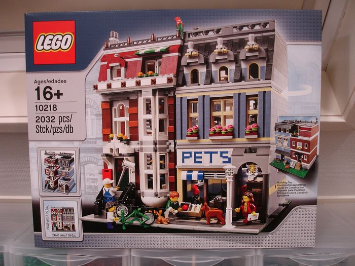 LEGO 10218 Creator Expert Pet Shop Modular New Sealed Retired Sold Out MINT