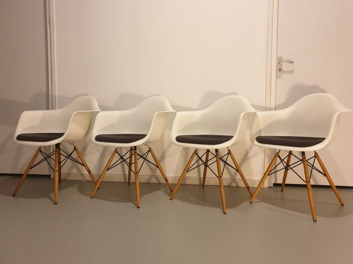 Charles Eames, Ray Eames - Vitra - Fauteuil (4) - DAW