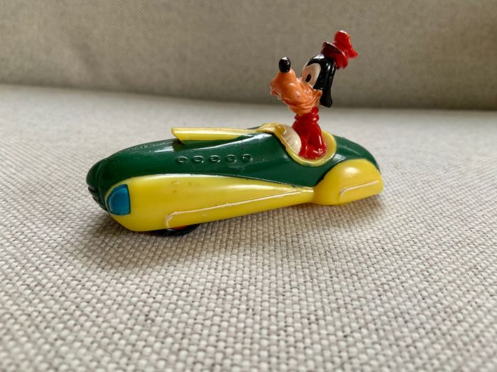 "Disney - 50's Vintage Walt Disney Productions ""Goofy In His Dream Car"" - Friction"