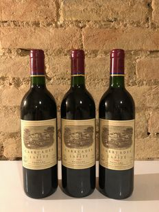 1990 Carruades de Lafite, 2nd wine Chateau Lafite Rothschild - Bordeaux, Pauillac - 3 Flaskor (0,75L)
