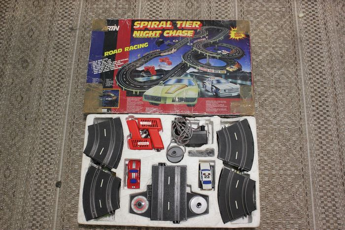 Spiral Tier Night chase rod racing - Vintage Spiral Tier Night Rennstrecke Verfolgungsjagd Rod Racing - hong-kong