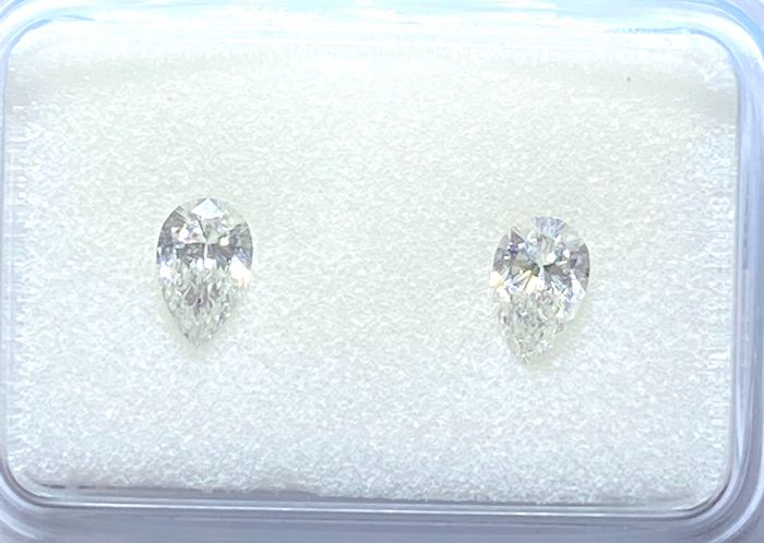 2 pcs Diamants - 0.42 ct - Cœur - F - SI1