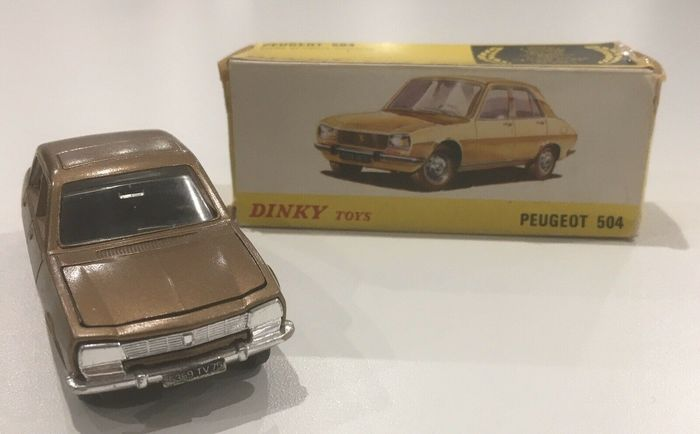 Dinky Toys - 1:43 - 1452 peugeot 504