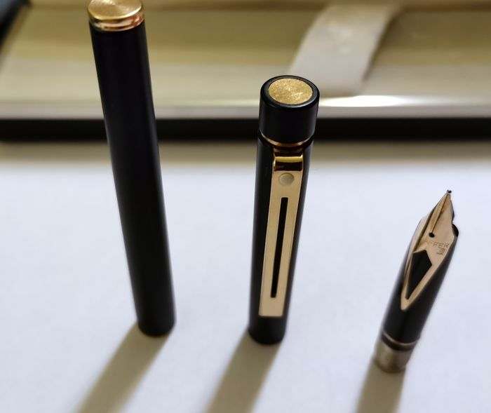 Sheaffer - Pen and Pen - 14 kt gold nib of 2