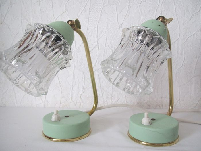 Set of 2 vintage bedside table lamps in a mint green color