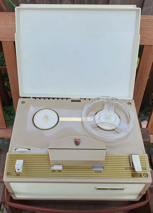 Aristona - 6137A - 4 track - Vintage Portable Reel-to-Reel Tape Recorder