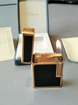 S.T. Dupont - Lighter - gold plated chinese lacquer box and certificate of 1