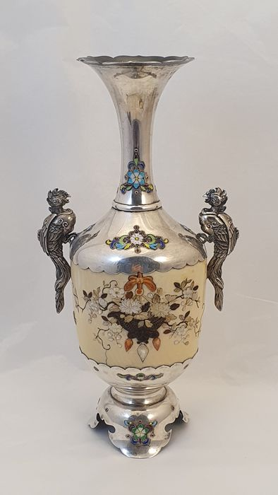Vase (1) - Ivory, Mother of pearl, Silver - Japan - Meiji period (1868-1912)