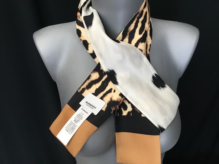 Burberry - Twilly réversible Soie Animalier Scarf