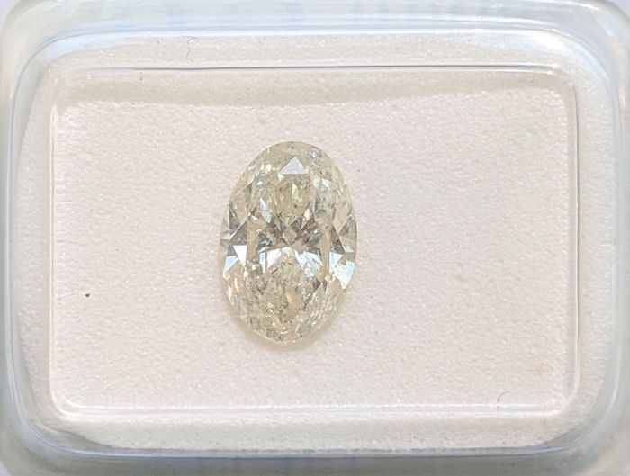 Diamante - 1.01 ct - Ovalado - fancy light yellow - SI2, No Reserve Price