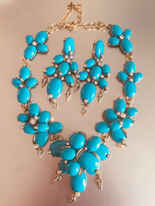 Oscar de la Renta - turquoise-coloured necklace with matching earrings