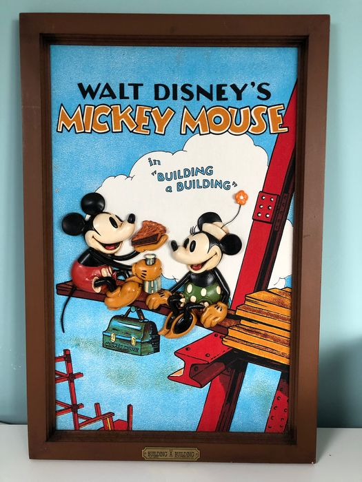 Disney - 3D Print - Mickey Mouse - Building a building