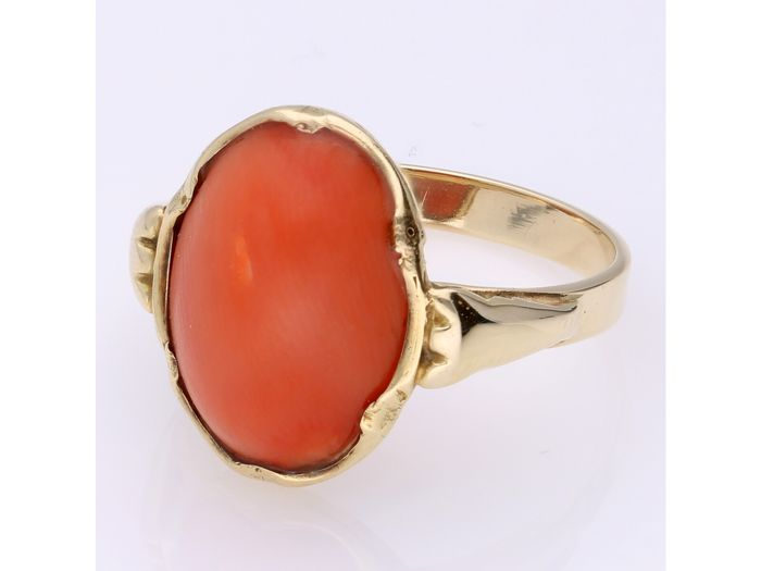 14 kt Gold - Ring - 4.38 ct rote Koralle