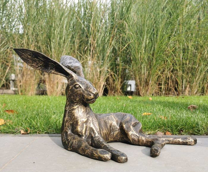 Lying hare - Patinated bronze - recent