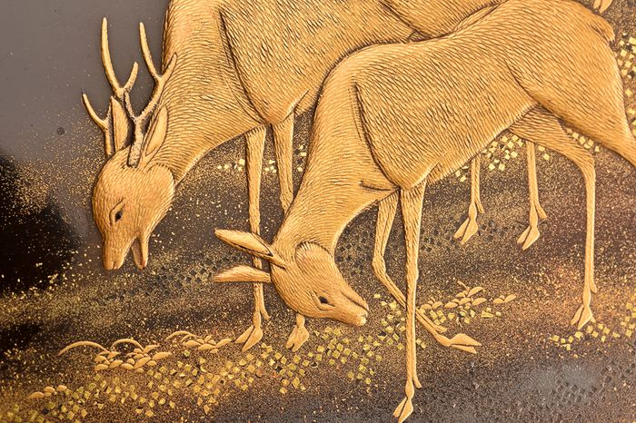 Suzuri-bako - Gold, Lacquer, Silver, Wood - Very fine maki-e design of deers under monlight, landscape decorated interior - Japan - Edo Period (1600-1868)