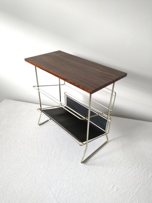 Magazine rack, Side table