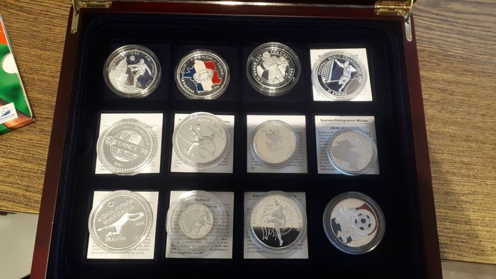 Mondo. Collection various coins 1995/1999 Proof 'World Championships Football 1998 (39 pieces)