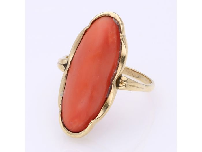 14 kt Gold - Ring - 5.84 ct rote Koralle