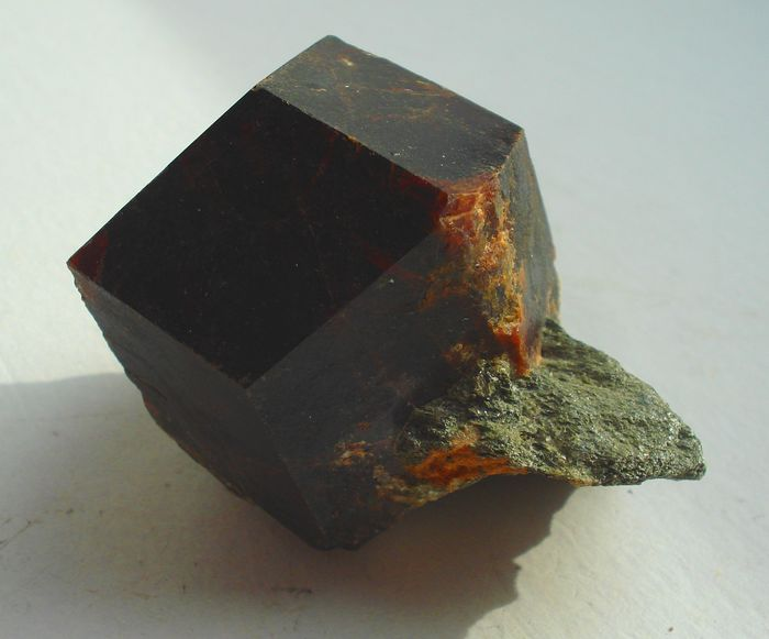 Garnet / Ruby Mineral Collection - 2.1 kg - (26)