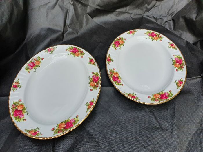 Royal Albert - Meat plates  (2) - Victorian Style - Porcelain