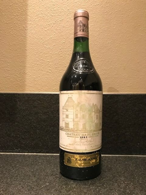 1982 Chateau Haut Brion - Pessac-Léognan 1er Grand Cru Classé - 1 Bottle (0.75L)
