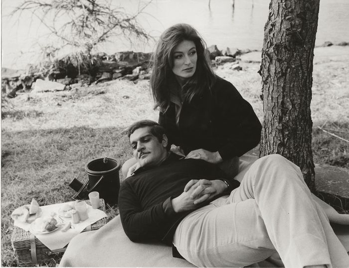 """Unknown / Pierluigi - Anouk Aimée and Omar Sharif during shooting of the film """"The Appointment"""" (1968)"""