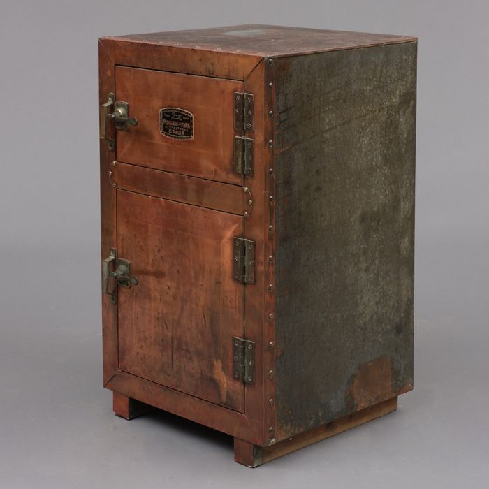 non electrical refrigerator - metal - wood - Unique and rare old Japanese refrigerator, usable as small chest or nightstand - Japan - Meiji period (1868-1912)