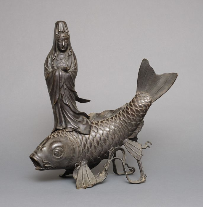 Okimono - Bronze - Large nicely detailed bronze figure of bodhisattva Kannon standing on a large carp (koi) - Japan - Meiji - Taisho period