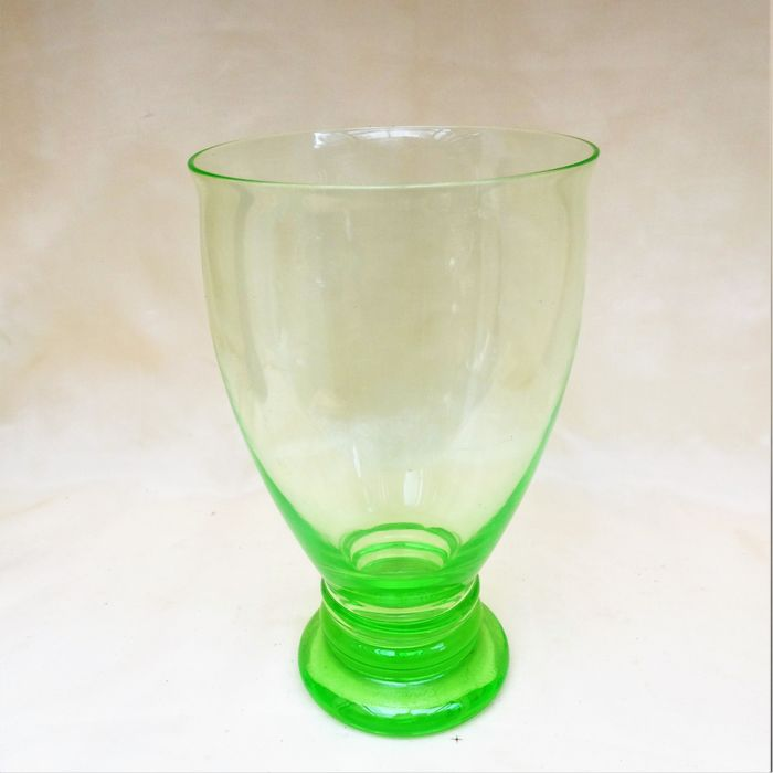 A. D. Copier - Glasfabriek Leerdam - Winter cup Anna green Uranium glass