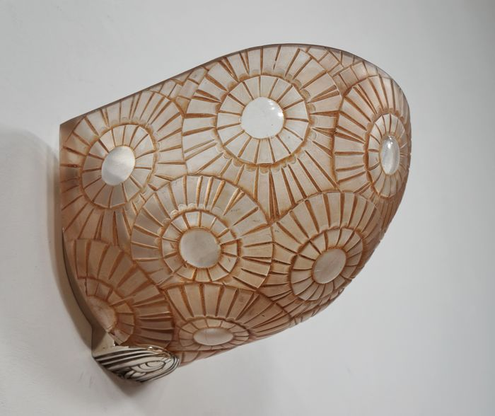 Simonet Frères - a French Art Deco wall light, sconce