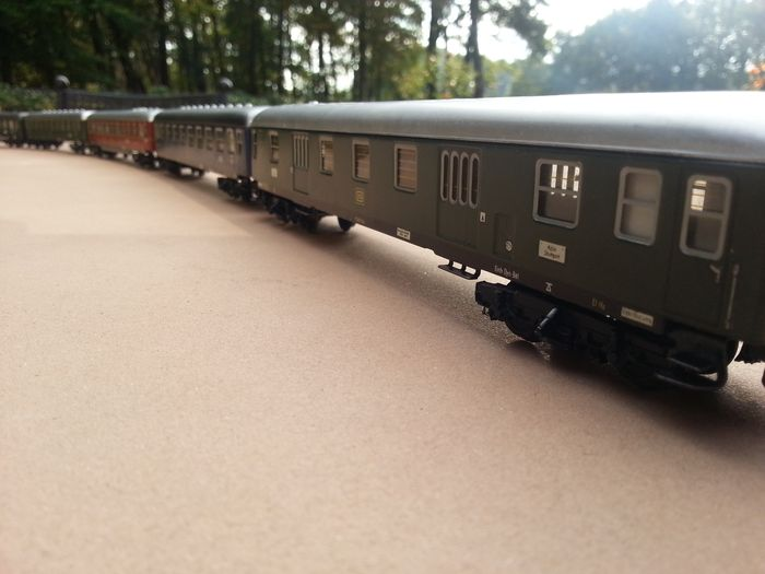 Märklin H0 - 4022/4023/4024/4026/4027 - Passenger carriage - 5 different express train cars, tin-plate - DB