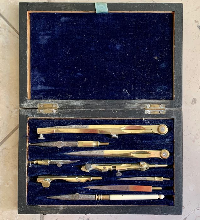 Antique drawing set - Complete collection of 1