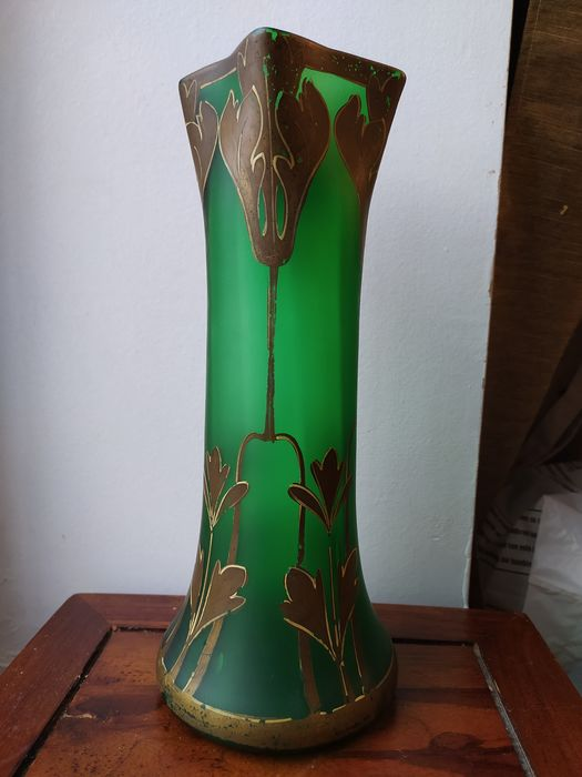 François Théodore Legras - (1839-1916) - Large vase enhanced with gold and bronze -industrial proof