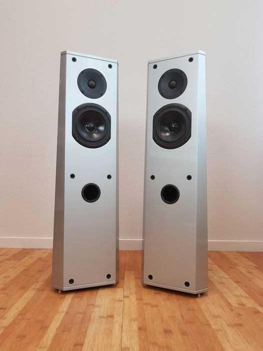 Driade - D70 MkII - Compact floorstanding high-end speakers