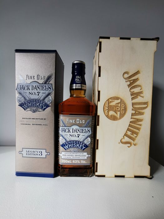 Jack Daniel's Legacy Edition 3 w/ handmade box - Original bottling - 700ml