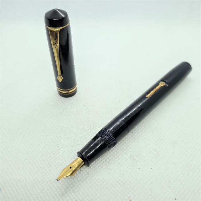 Conway Stewart - 55 - Fountain pen - 14k solid gold nib - Just received full service