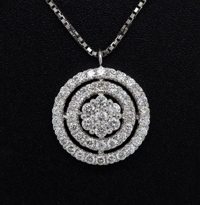 18 kt. White gold, 3.79g - Necklace with pendant - 0.32 ct Diamond - No Reserve Price