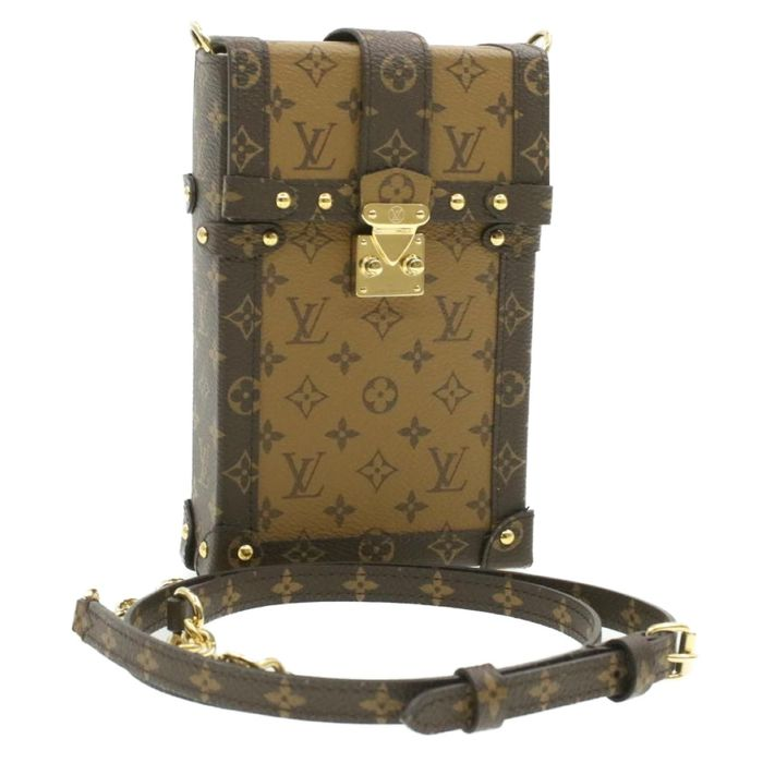 Louis Vuitton - Reverse Monogram Pochette Trunk Verticale Shoulder bag