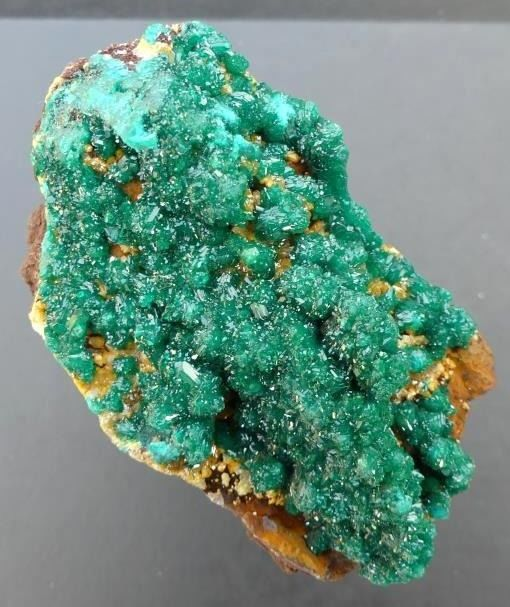 Fabulous combination dioptase with mimétite from Midouli - Congo - 8×5×6 cm - 261 g