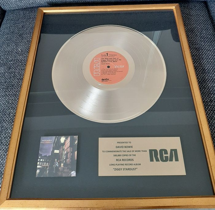 David Bowie - The Rise and Fall of Ziggy Stardust and the Spiders From Mars, Presented to David Bowie! - Offizieller hauseigener Award - 1972