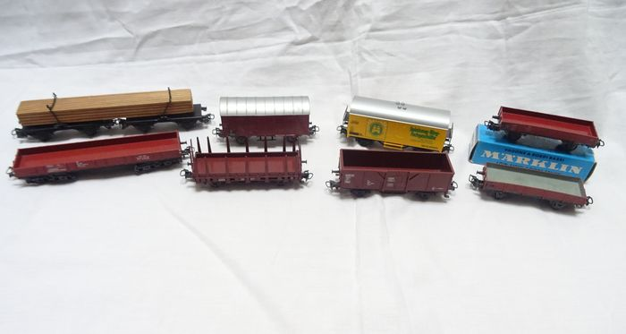 Märklin H0 - 4415/4505/4512/4514/4602/4607 - Freight carriage - 8 various freight cars - DB