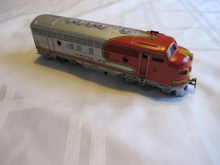 Märklin H0 - 3060 - Diesel-electric locomotive - F-7 - Santa Fe